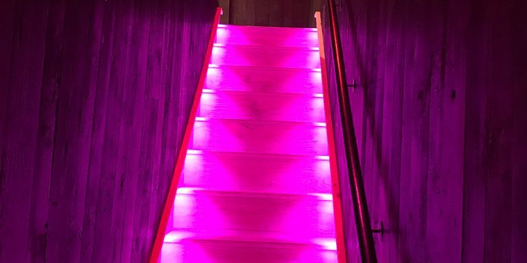 stairwell-colour-change-lighting-local-restaurant-steve-rudkin-electrical