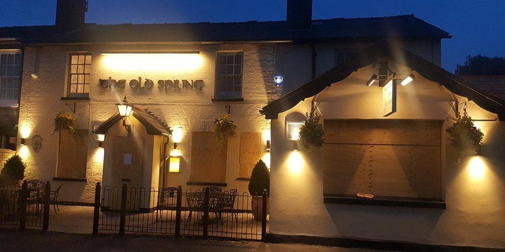 Outside-lighting-pub-cambridgeshire2